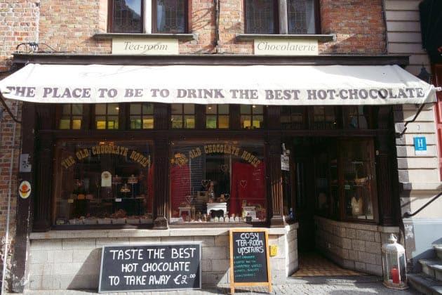 tea room,hot chocolate, waffle, Bruges