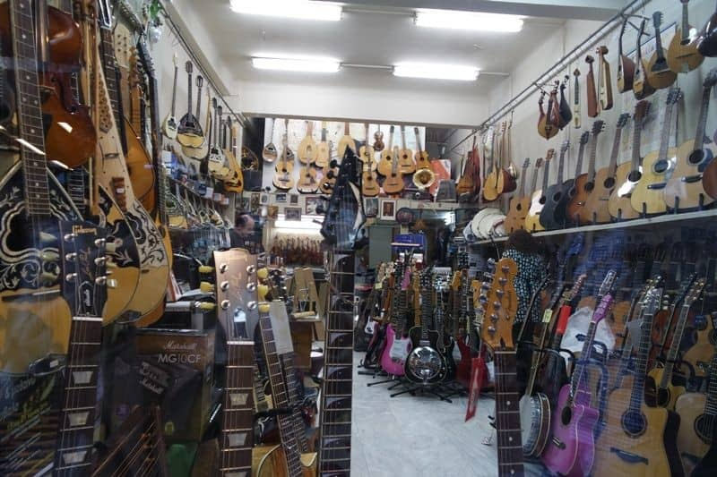 greek shop selling musical instrumets