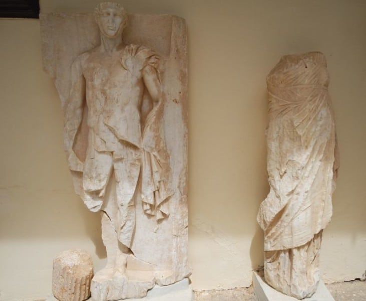 Statues-outside-the-Archaeological-museum-of-Epidaurus