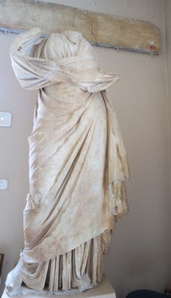 marble-statue-of-the-Goddess-Hygeia-at-Epidavros-Archaeological-Museum
