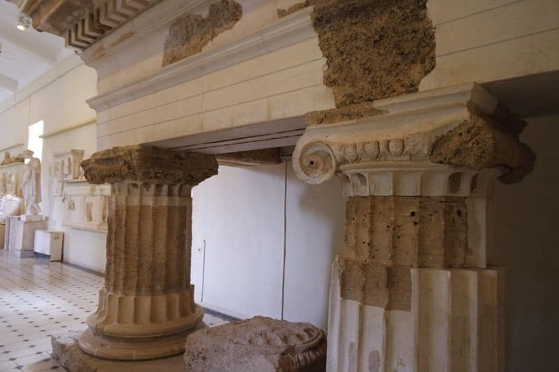 reconstruction-of-the-columns-of-Propylaia-of-the-Sanctuary-of-Asklepios