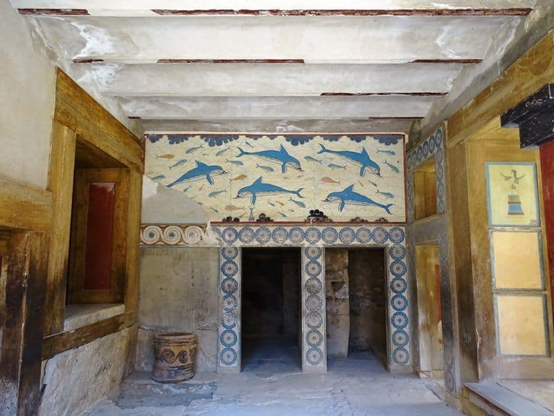 Queens Megaron with the fresco of the Dolphins