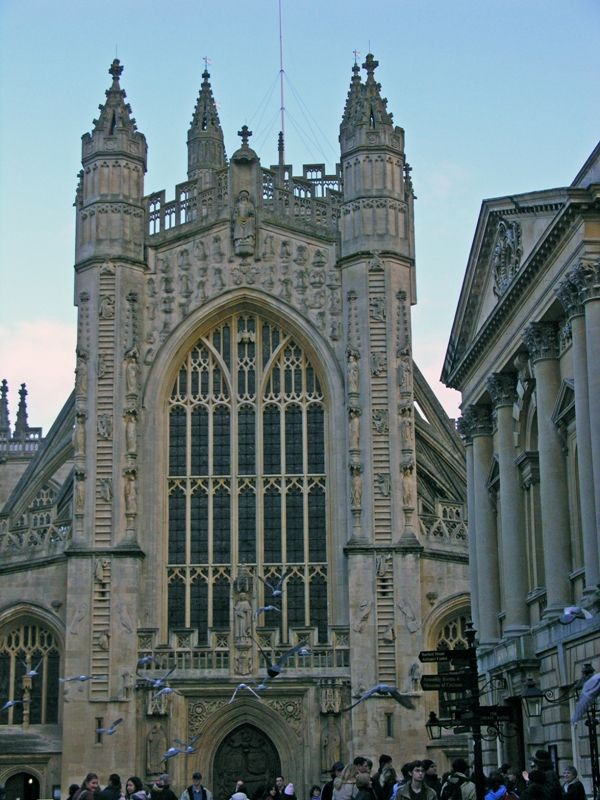 The front of Bath Abbey