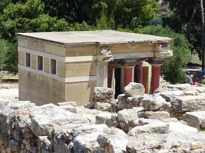 around the archaeological site of Knossos