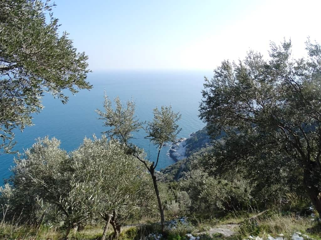 hiking in pelion 3