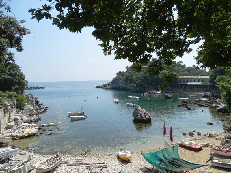 Damouhari-harbour-Pelion-Mamma-Mia