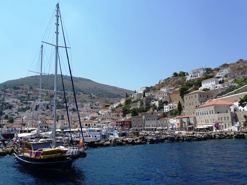 The island of Hydra - one day cruise from Athens