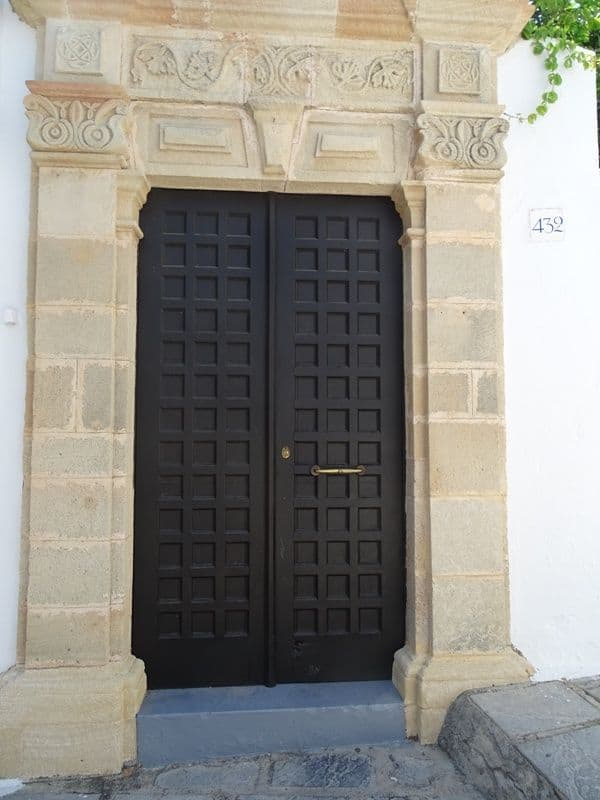 lovely-door-at-Lindos