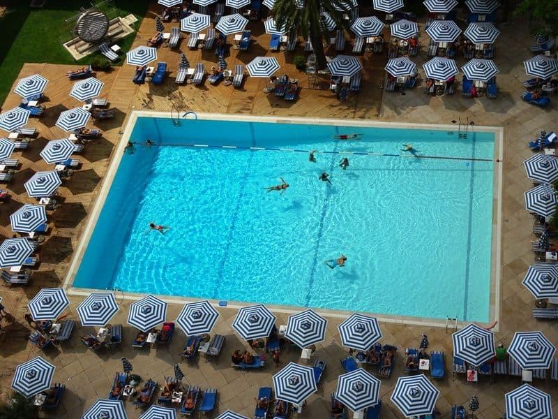 hilton-swiimming-pool
