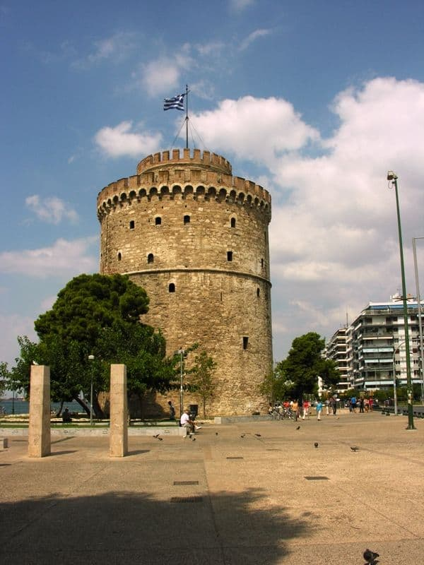 white-tower-Thessaloniki winter in Greece