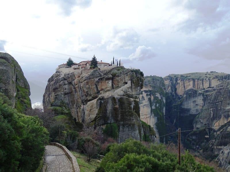 Holy-trinity-monastery-Meteora