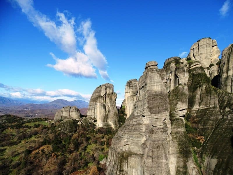 The-impressive-rocks-of-Meteora