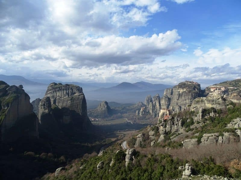 The-valley-of-Meteora