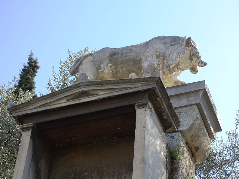 A-tomb-at-the-cemetery-of-Kerameikos