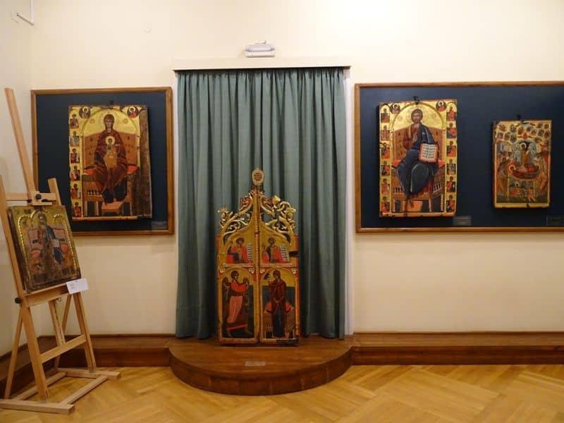 inside-the-Byzantine museum