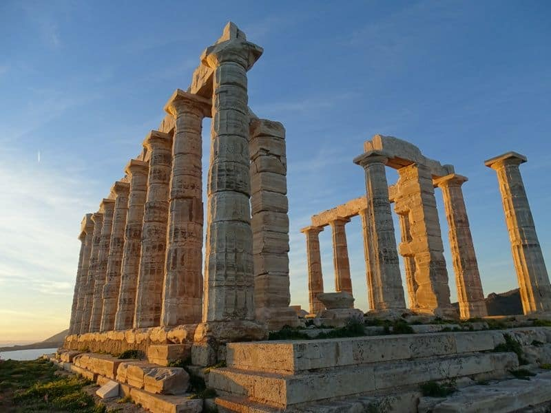 another view of the temple of Poseidon in Sounio