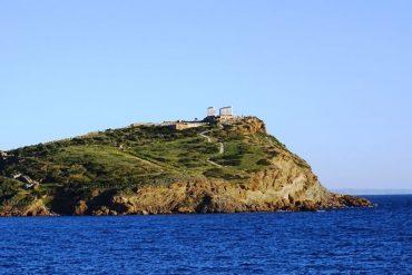 approaching Cape Sounio