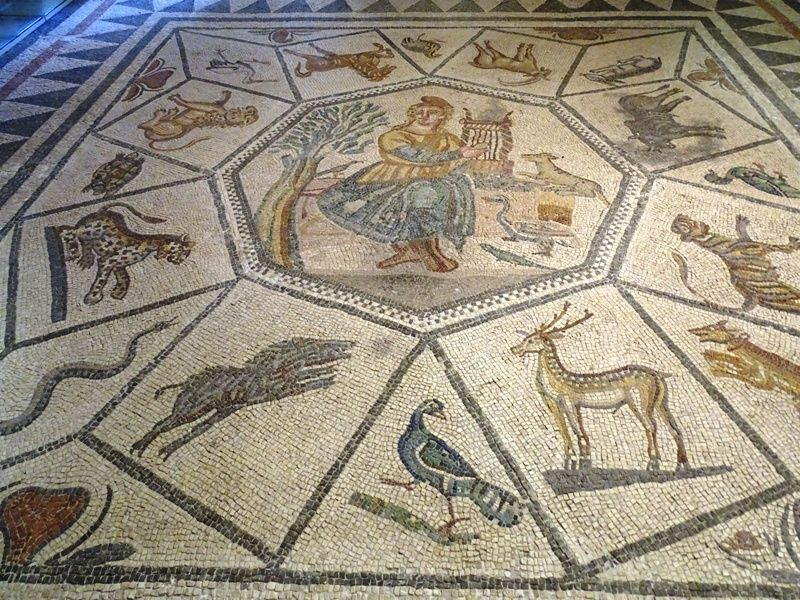impressive-mosaic-from-the-Archaeological-museum-of-Mytilene