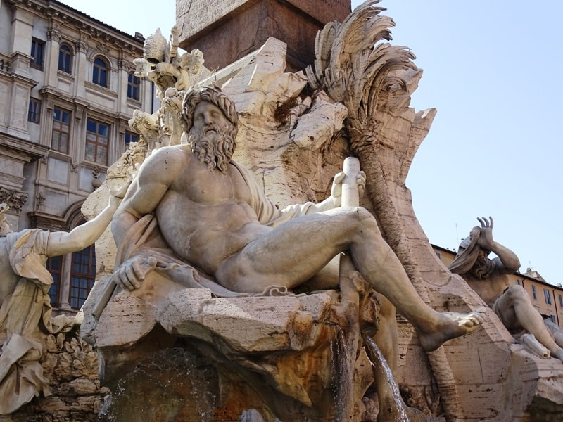 The fountain of four rivers Piazza Navona-min