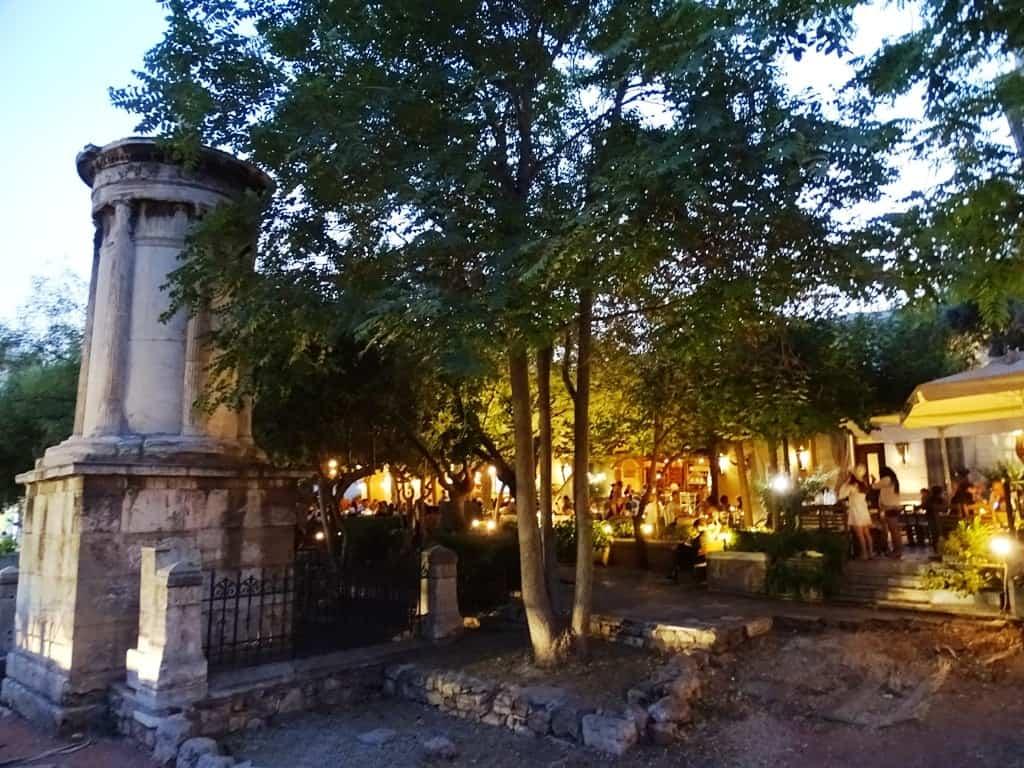 Lysikrates Monument, Plaka