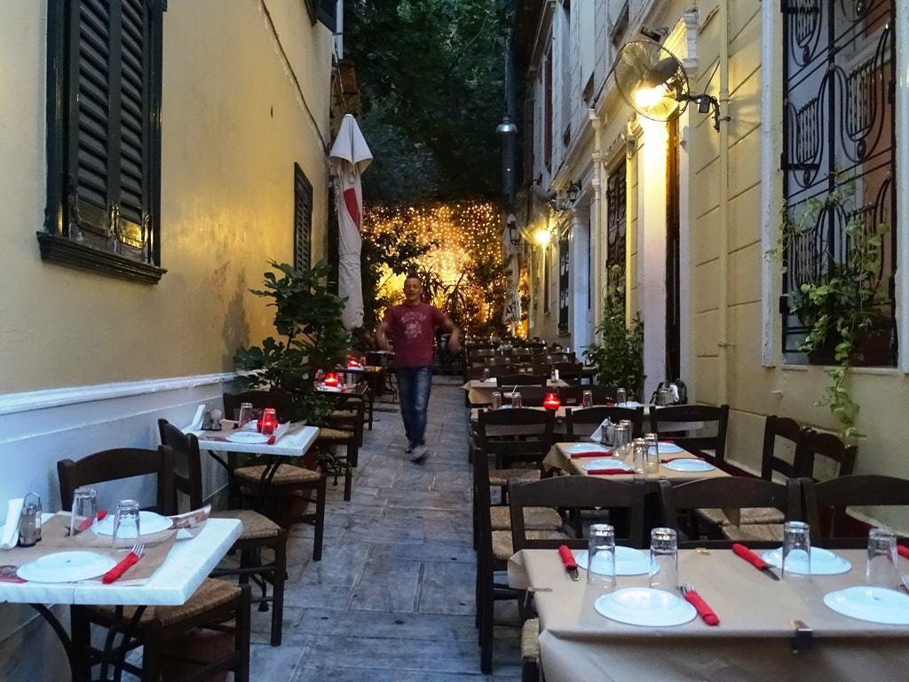 restaurants-in-plaka-athens