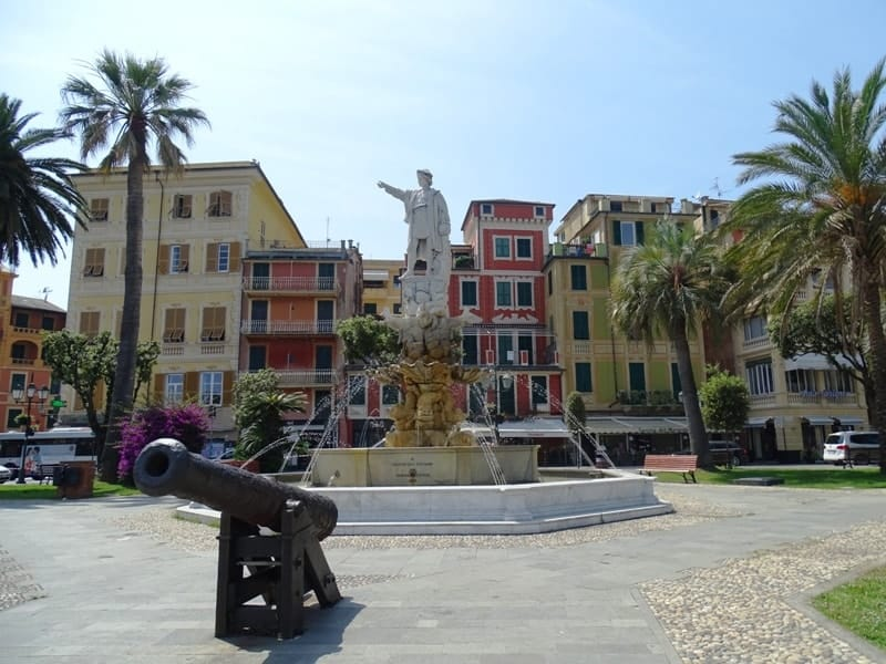 statue of Cristoforo Colombo Santa-Margherita - 8 italian riviera cities and towns you have to visit