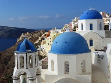 the-three-domes-in-oia-santorini-min