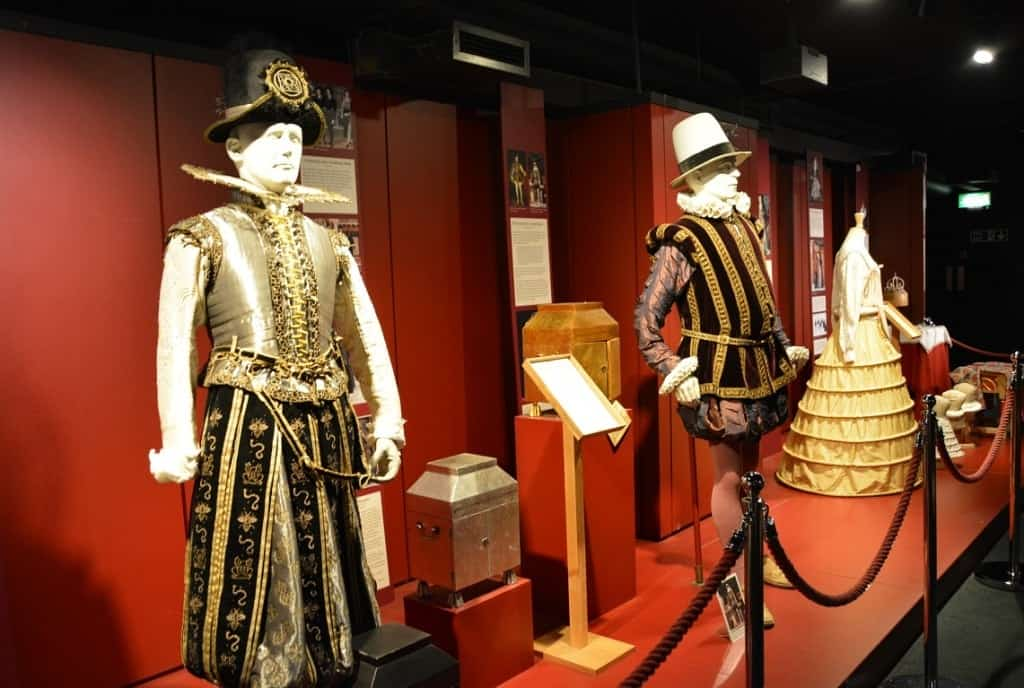 costumes at the Shakespeare's Globe - London Pass