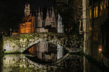 night scenery in Bruges - Ghent or Bruges