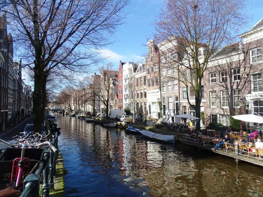 canals in Jordaan district