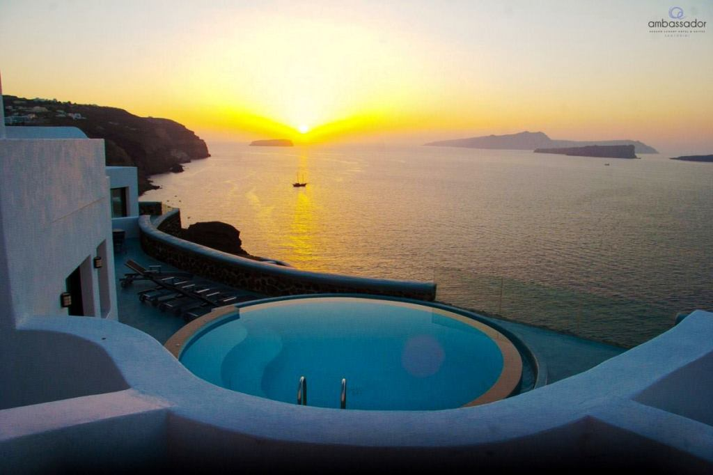 Top 10 Santorini Hotels With Private Pool