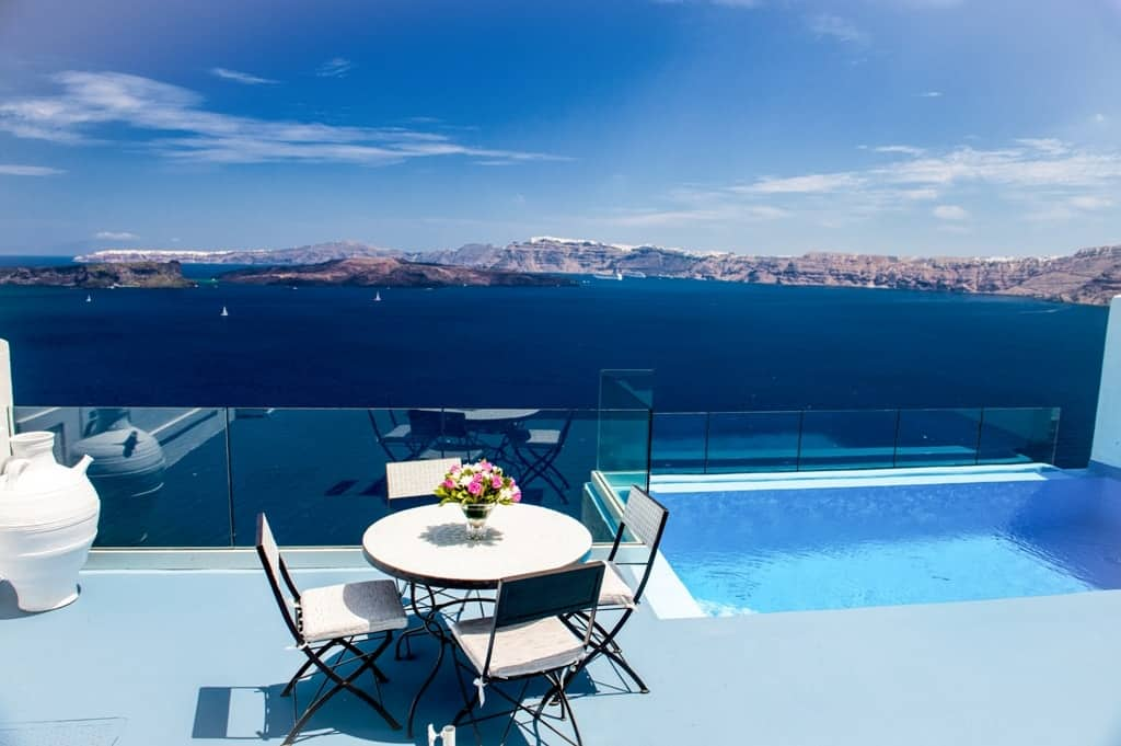 Santorini hotels with private pool - Astarte Suite