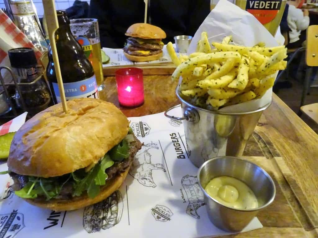 Food in Firma Pickles Burgers & Wines Utrecht