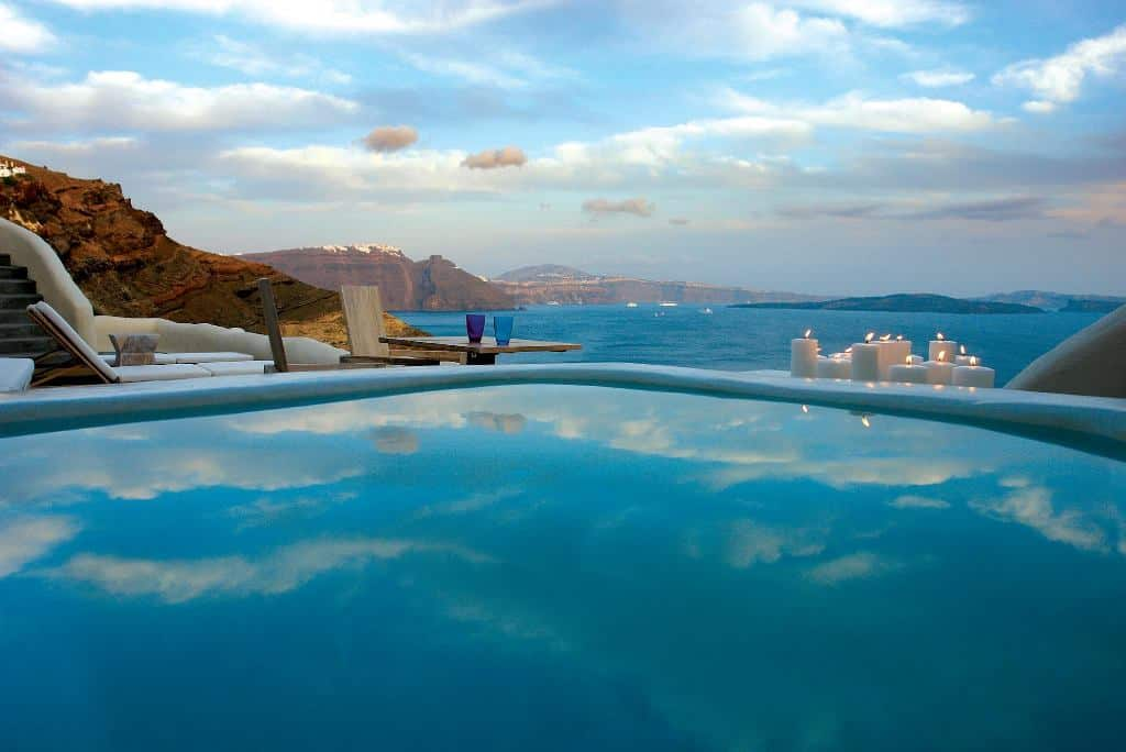 Top 10 santorini hotels with private pool for Hotels santorin