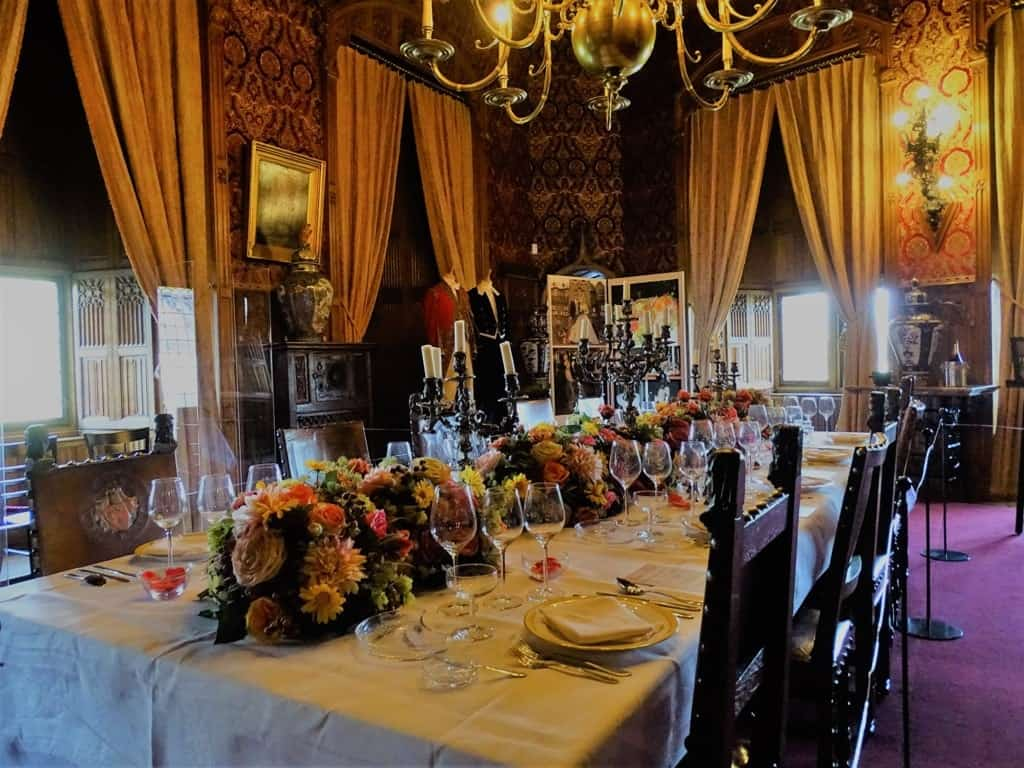 dining room in De Haar Castle-min