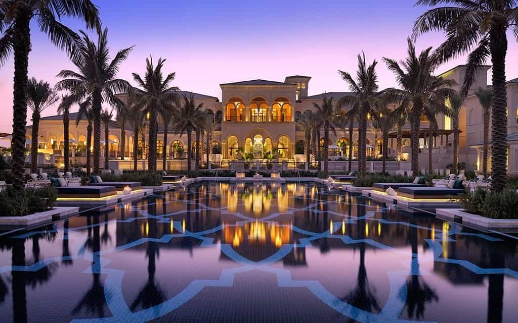 Where to stay in dubai the best hotels for every budget for Top resorts in dubai