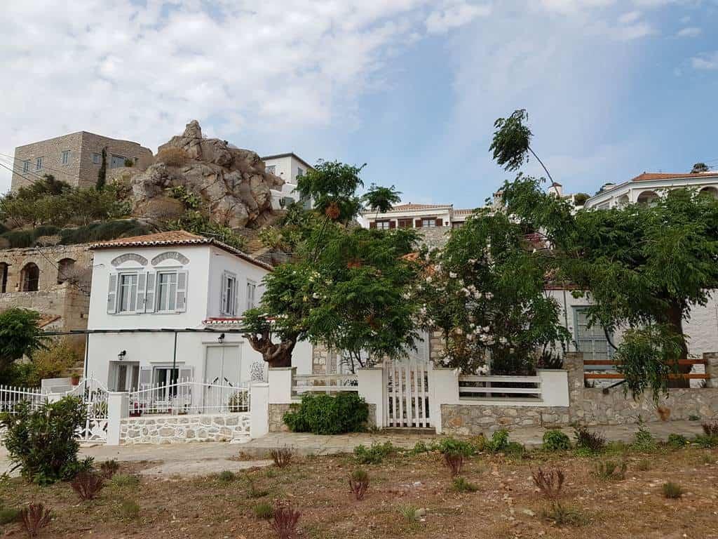 Kamini village Hydra