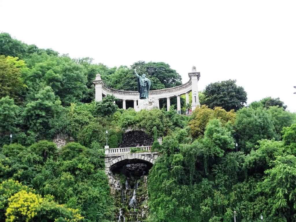 Hike Gellért Hill to the Citadella