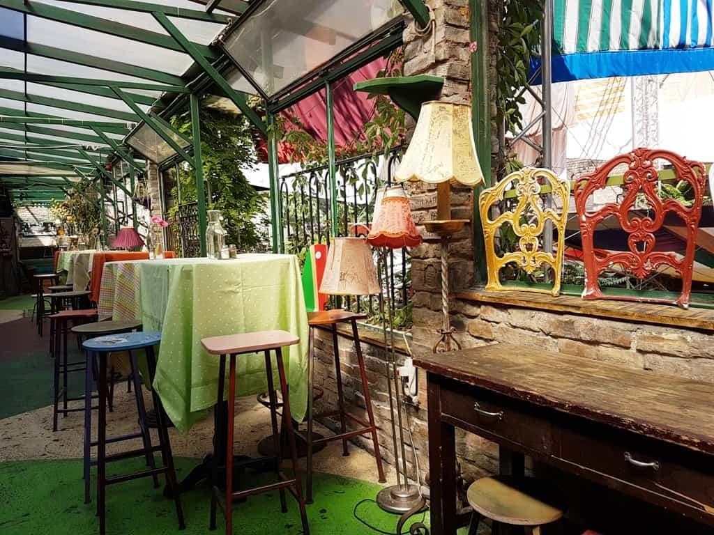 Szimpla Kert ruin pub - 3 days in Budapest