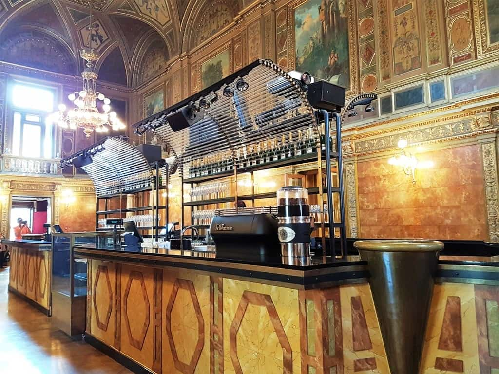 the bar at the Hungarian State Opera House 3 days in Budapest