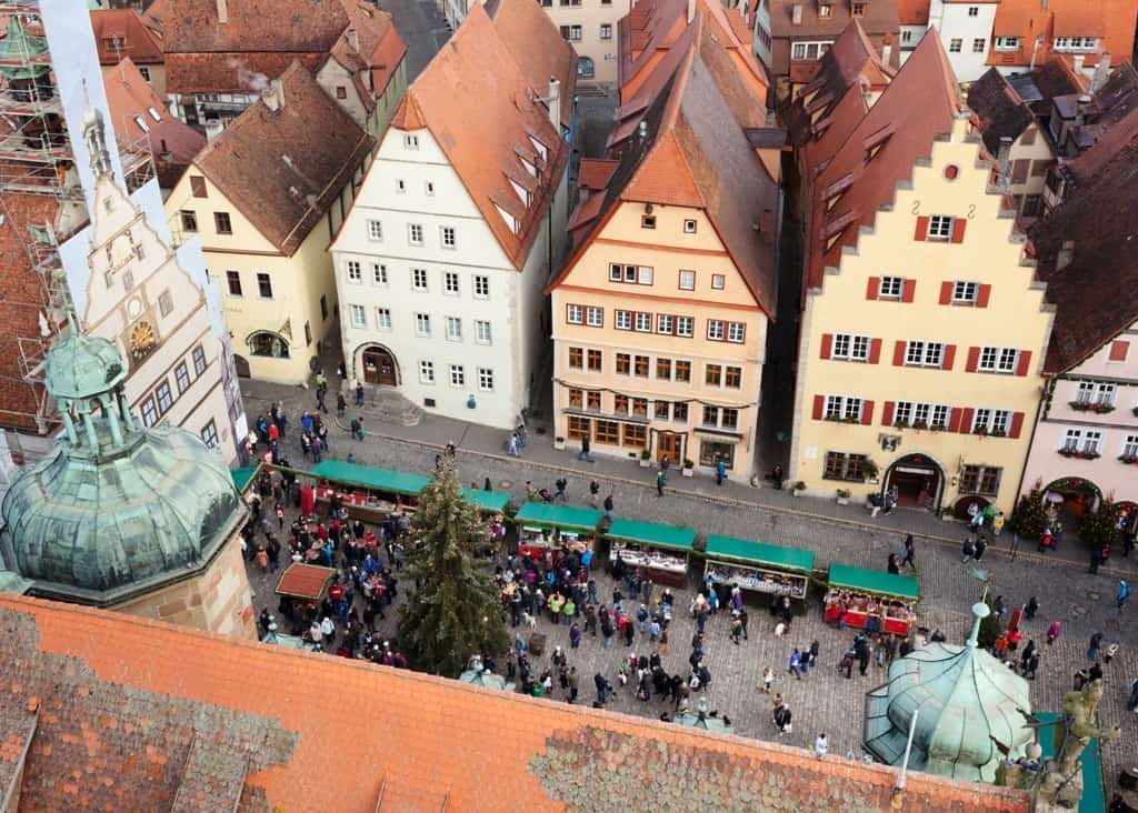 Christmas Market square of Rothenburg ob der Tauber -The best Christmas Markets in Germany