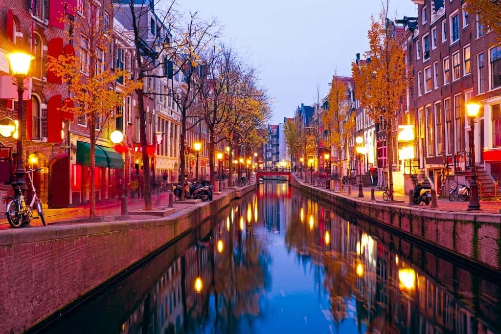 Red light district - 5 days in Amsterdam: a guide for first-time visitors