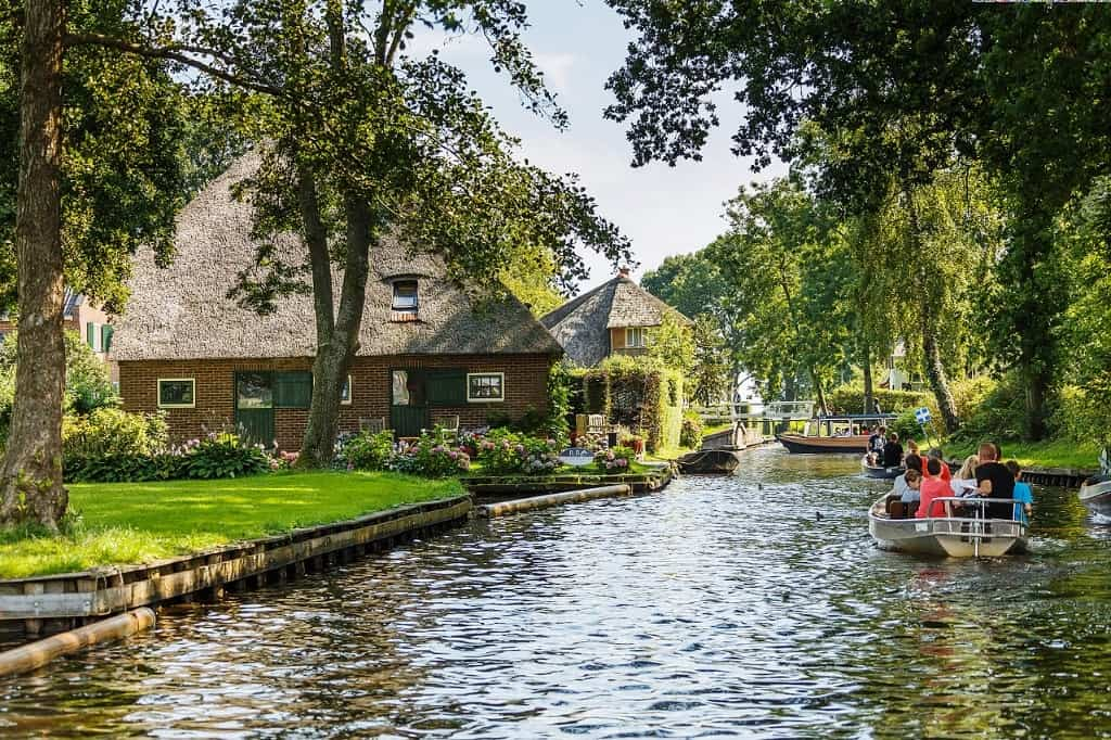 Giethoorn -The best day trips from Amsterdam