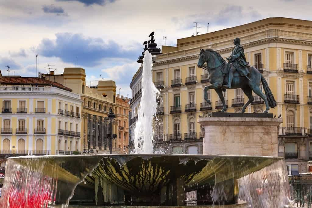 3 days in madrid what to do and see for Puerta del sol 2017