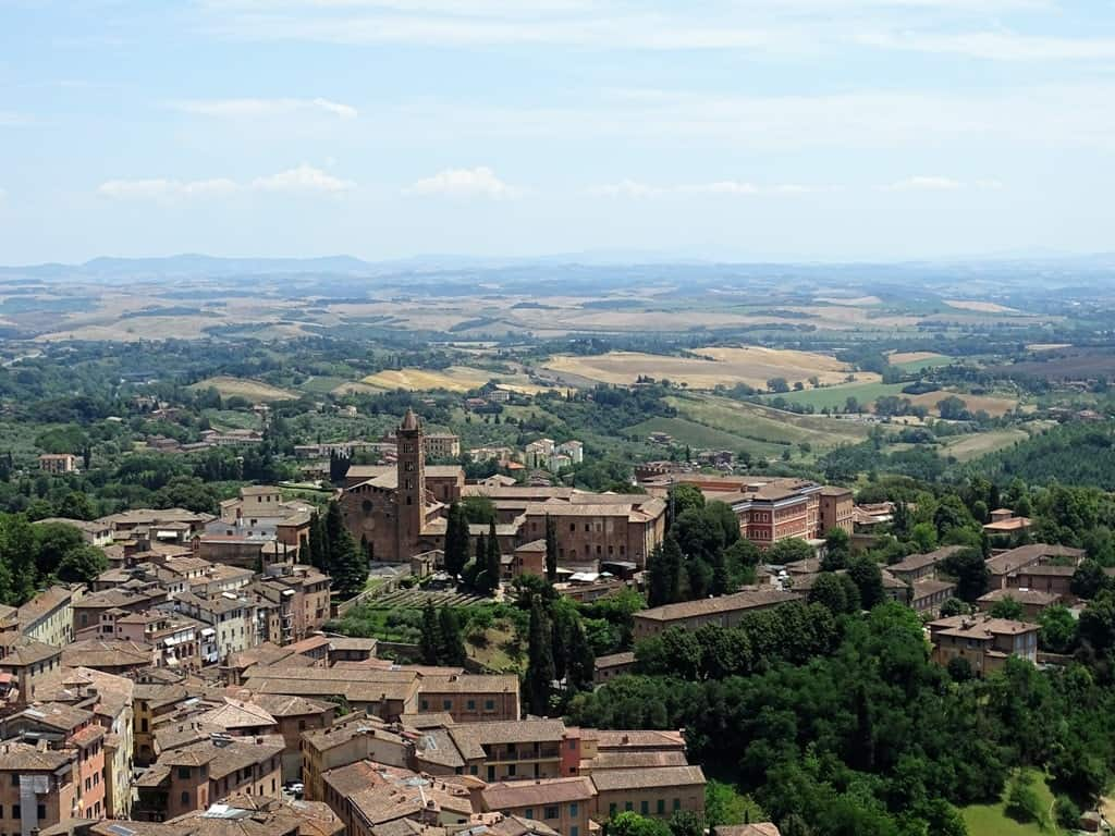 Siena - hilltop villages and towns in Tuscany