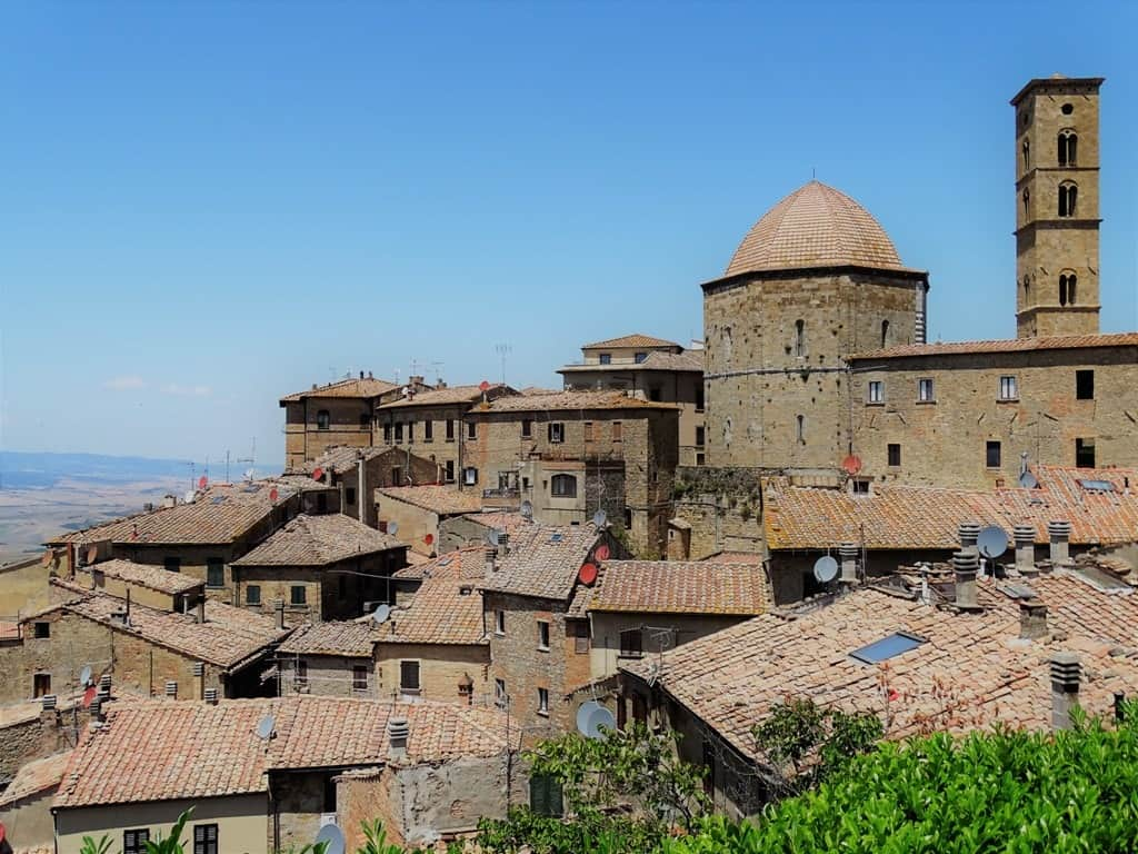 Volterra hilltop villages and towns in Tuscany