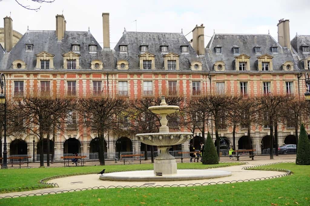 Place des Vosges -Paris in 7 days itinerary
