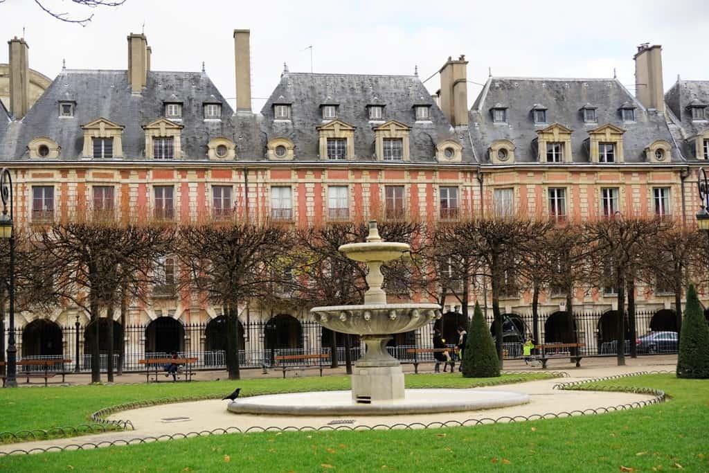 Place des Vosges -Paris in 7 days itinerary