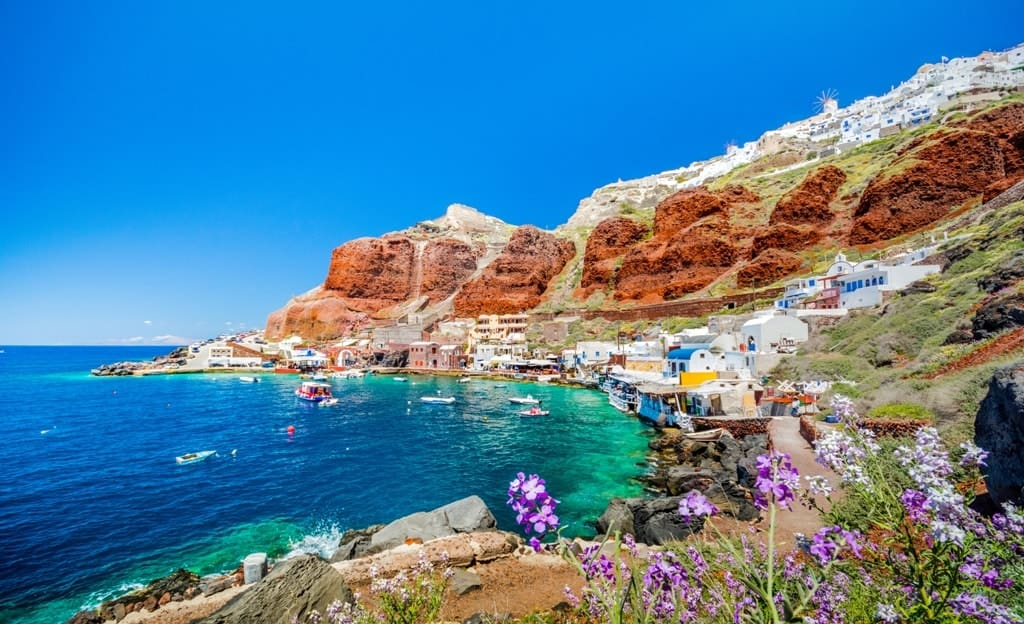 Amoudi Bay - The best Santorini Beaches