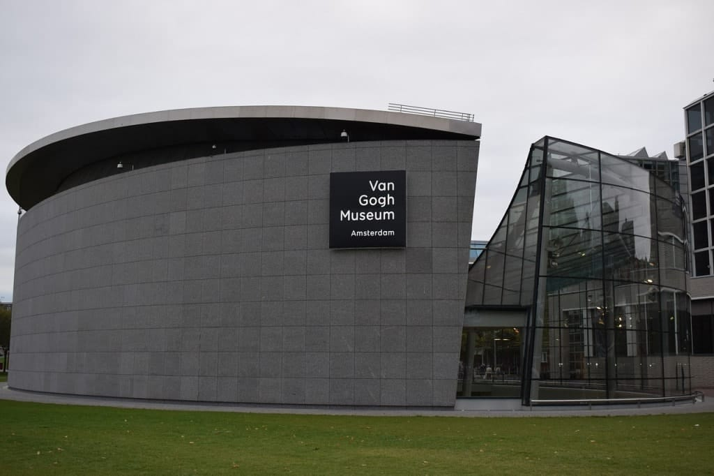Van Gogh Museum -5 days in Amsterdam